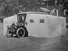 Jeden z v�bec prvn�ch obytn�ch voz� sv�ta vych�zel z modelu 1911...