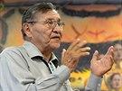 Prezident kmene Navaho Ben Shelly během svého projevu v indiánském centru...