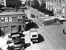 Pohled na hlavní bránu továrny Baťa ve Zlíně v polovině 30. let minulého...