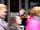 Houslista Václav Zajíc z Filharmonie Brno zkoušel, jestli lidé na ulici poznají...