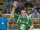 Martin Hrstka ze Zubří rozehrává.