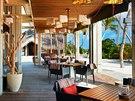 Restaurace Athiri je pojata v moderním, neokázalém stylu.