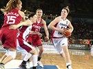 Kanadská basketbalistka Katherine Plouffeová v utkání s Tureckem