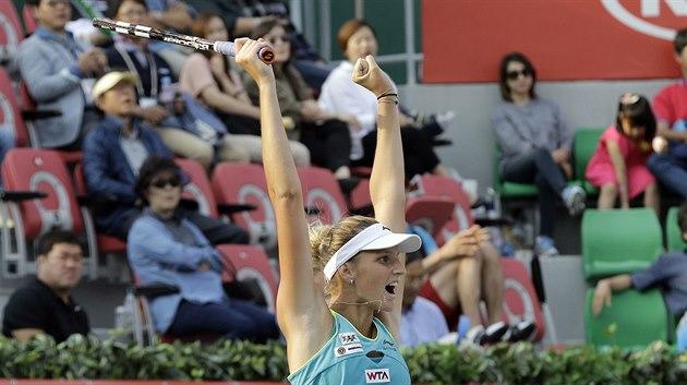 �eská tenistka Karolína Plí�ková se raduje z finálového triumfu v Soulu.