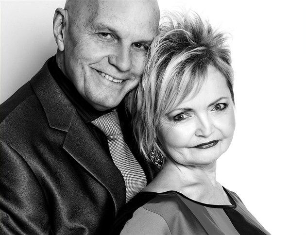 LÁSKA POD LUPOU: Jan P�eu�il a Eva Hru�ková
