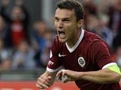 David Lafata ze Sparty se raduje z gólu proti Hradci Králové.