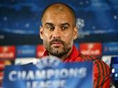Trenér Pep Guardiola z Bayernu Mnichov na tiskové konferenci před zápasem Ligy...