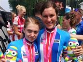 Nikola Nosková (vlevo) a Barbora Pr�dková coby medailistky z olympijských hr...