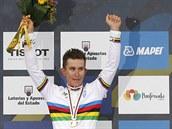 Michal Kwiatkowski slav� triumf na sv�tov�m �ampion�tu v silni�n� cyklistice.