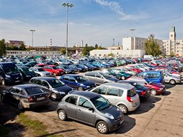 Parkování u Koruny v Hradci Králové skončilo s příchodem listopadu 2014.