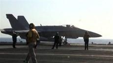 Nálety na islamisty v Sýrii za�aly, úto�í stíha�ky, bombardéry i tomahawky
