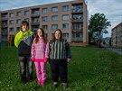 Kvůli častým absencím v prváku na střední se rozhodla celá rodina odstěhovat z...