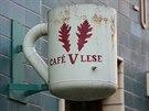 Jedn�m z obl�ben�ch podnik� je caf� V lese, jeho� majitel Ond�ej Kobza je t�m...