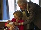 Bill Clinton, jeho manželka Hillary Clintonová a jejich vnučka Charlotte