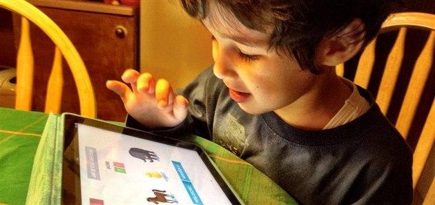 Projekt Mluvídek je unikátní interaktivní aplikace pro d�ti, zatím funguje jen...