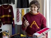 Menahem Silva Vargas s kouzelnickou h�lkou Harryho Pottera a podobném svetru,...