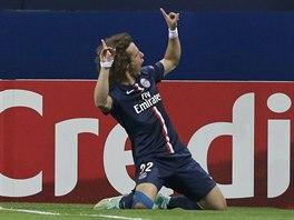 EUFORIE. Obránce David Luiz z Paris St. Germain se raduje ze vstřeleného gólu.
