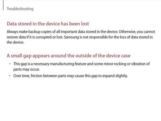 V manuálu Samsung označuje mezeru u modelu Galaxy Note 4 za nutnou vlastnost.