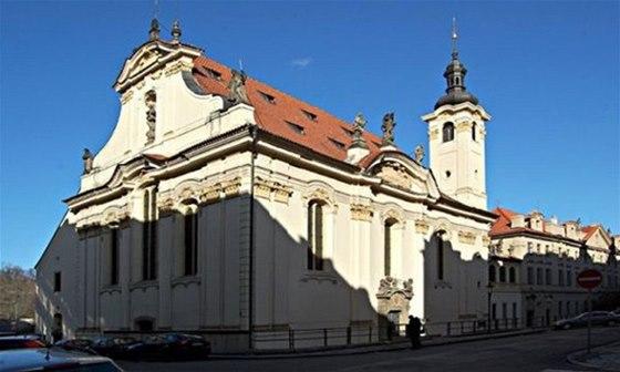 Kostel sv. �imona a Judy slou�� v sou�asn� dob� jako svatost�nek kultury