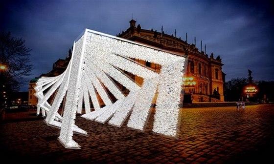 P�ed budovou Rudolfina bude z��it instalace Crystallion Jaroslava Bejvla ml.
