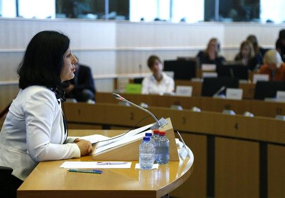 Věra Jourová při slyšení před Evropským parlamentem (1. října 2014).