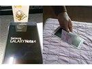 Samsung Galaxy Note 4 má mezeru mezi displejem a rámečkem.