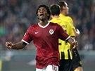 Sparťanský fotbalista Tiémoko Konaté spálil velkou šanci v utkání Evropské ligy...