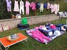 Většinou se prodávaly dětské oblečky.