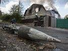 Na Ukrajině i přes příměří umírají lidé. Bojuje se o doněcké letiště.