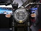 Ducati Scrambler na autosalonu v Pa��i