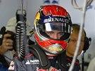 JDE NA TO. Max Verstappen při svém debutu ve Velké ceně F1.