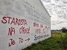 Nápisy mířené proti starostovi v Třebechovicích pod Orebem se objevily na mnoha...