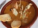 Velmi populární polévka na Menorce připravená z langust.