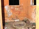 Dva muži vyráběli pervitin v opuštěné budově poblíž Jeseníku. Používaných věcí...