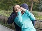 Běžíte-li se sluchátky v uších, může přijít útok zezadu a to zcela nečekaně....