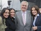 Heidi Jank�, G�bina Party�ov�, Milo� Zeman a Pavl�na Seni� v Slu�ovic�ch