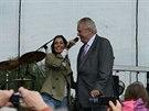 Heidi Janků a prezident Miloš Zeman na pódiu v Slušovicích