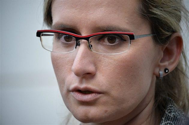 Karla �lechtová po sch�zce s Milo�em Zemanem 3.10. 2014