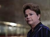 Brazilská prezidentka Dilma Rousseffová během tiskové konference (1. října...