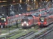 Stojící vlaky na nádra�í v Essenu v dob� úterní stávky (7. �íjna 2014).