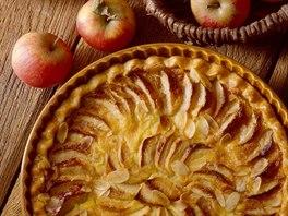 Jablečný koláč se ciderem