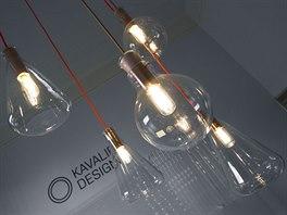Skleněné lustry sázavské společnosti Kavalierglass