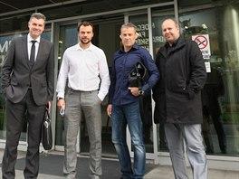 Auto�i v�zvy na pomoc fotbalov� Olomouci, v�etn� klubov� legendy Tom� Ujfalu�iho, jdou jednat na radnici.