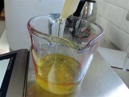 Součást receptury vegetariánského sprchového gelu od Lush je gel z octa či mořská sůl.