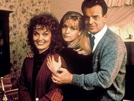 Grace Zabriskie, Sheryl Lee a Ray Wise v seriálu Městečko Twin Peaks (1990)