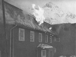 Kežmarskou chatu zlikvidoval ničivý požár v říjnu 1974. Hořet začalo ve...