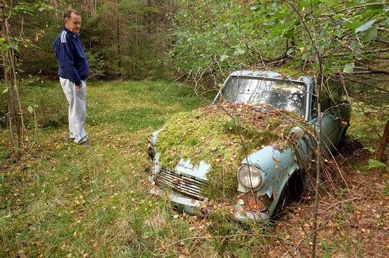 Pekka Nummelin nechal své auto v lese přesně před 40 lety. Před nedávnem se tam...