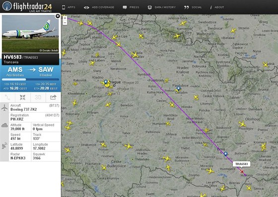 Trasa boeingu společnosti Transavia přes území České republiky