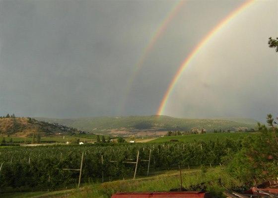 Místo kde bydlíme a pracujeme, se dříve jmenovalo Rainbow ranč.
