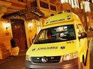K pacientce s infekčním onemocněním vyjížděli záchranáři v Karlových Varech.